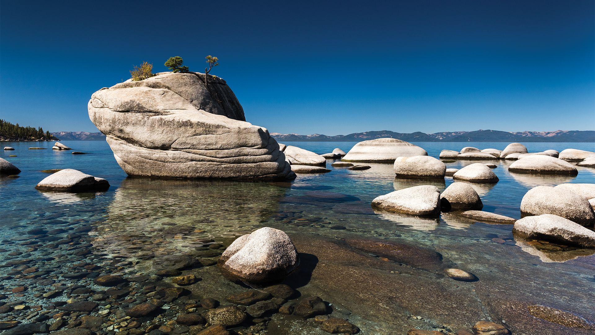 natural rocks on lake tahoe